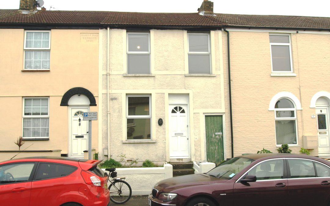 3 bed house, Burnt Oak Terrace,  Gillingham