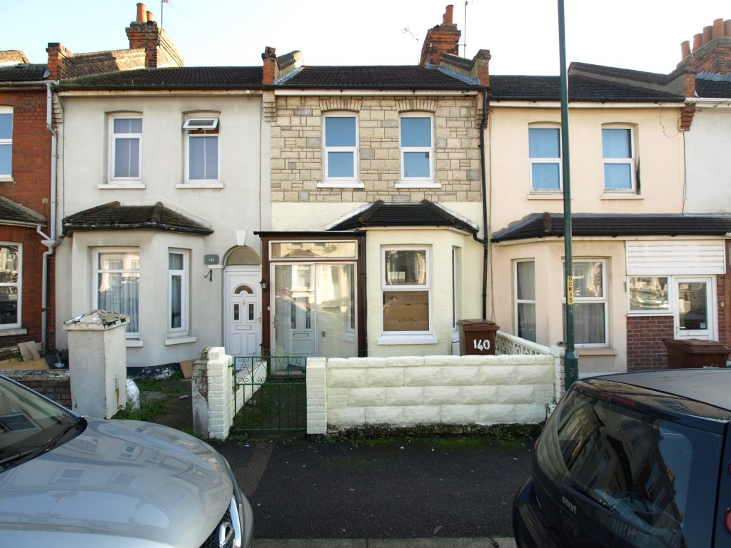 Surprising 3 Separate Bedroom House To Rent In Strood Rochester Kent Download Free Architecture Designs Embacsunscenecom